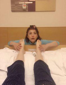 小林麻央 ブログ KOKORO「隠し撮り」で小林麻耶が見ていたものを予想!足のむくみの原因も調べてみました!