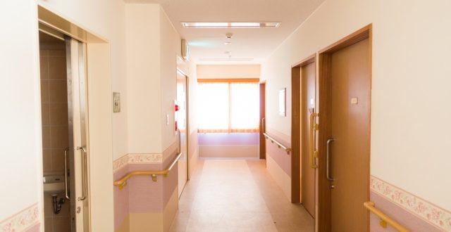 出川哲朗 病院はどこ?入院先の病院がファンの間で検索されるが、安静のためにも勝手な行動は慎んでほしい!